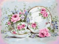 B2318 Трио и цветы. Набор для вышивки крестом