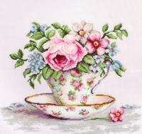 B2321 Цветы в чайной чашке. Набор для вышивки крестом